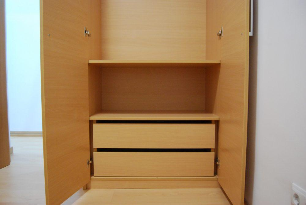 Interior armario hecho a medida